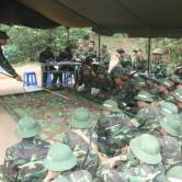 Học viên báo cáo kế hoạch chiến đấu trong diễn tập